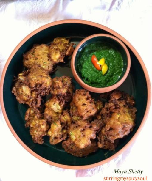 Zucchini Pakoras/Fritters