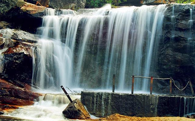4-panchalinga-falls-in-thirumoorthy-hills-1