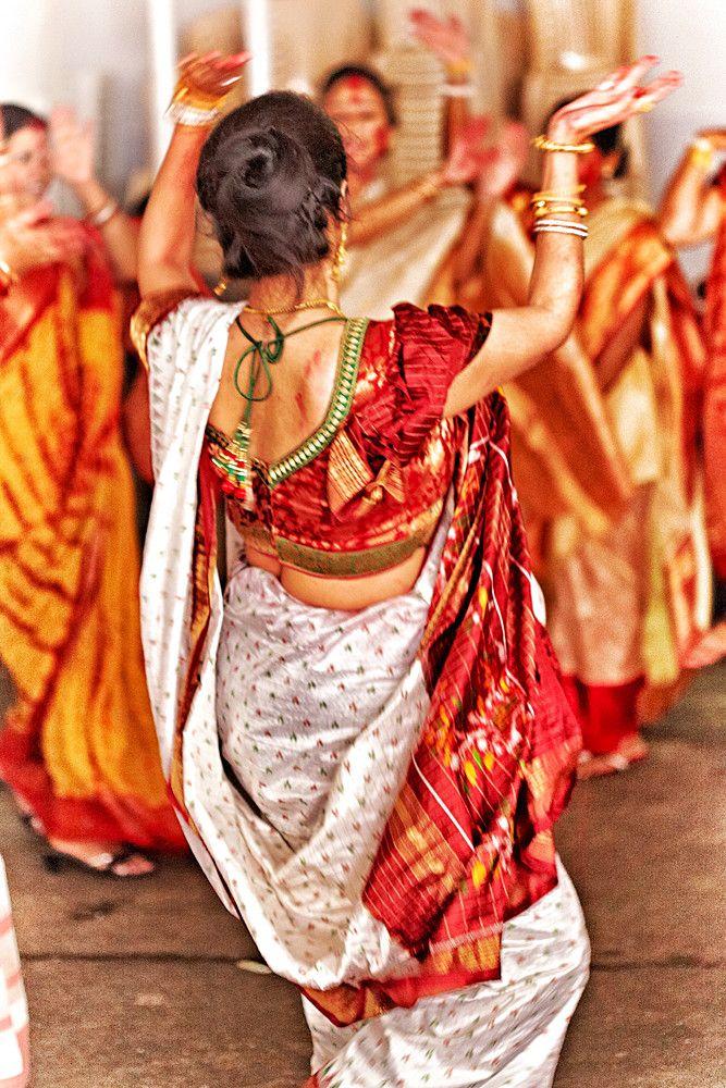 80c3e11d3cb681118ff79380a637db4a--indian-style-indian-wear.jpg